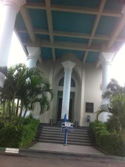 Pasca Lift Macet, Menara Masjid Al Akbar Ditutup