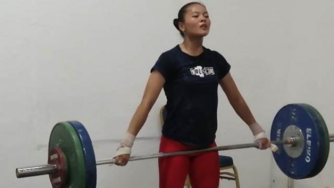 Olimpiade Tokyo Diundur, Lifter Muda Windy Cantika Tetap Jalani Latihan