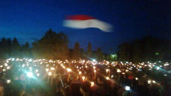 Warga Bali Nyalakan Lilin untuk Ahok di Lapangan Bajra Sandhi Renon