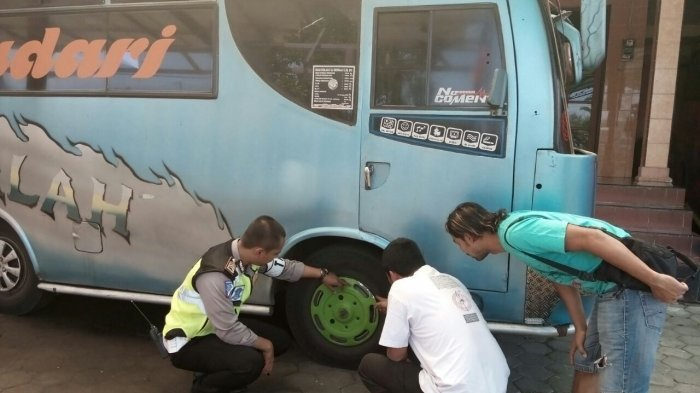 Lihat Perempuan yang Dilindasnya Tewas, Ini yang Dilakukan Sopir Minibus