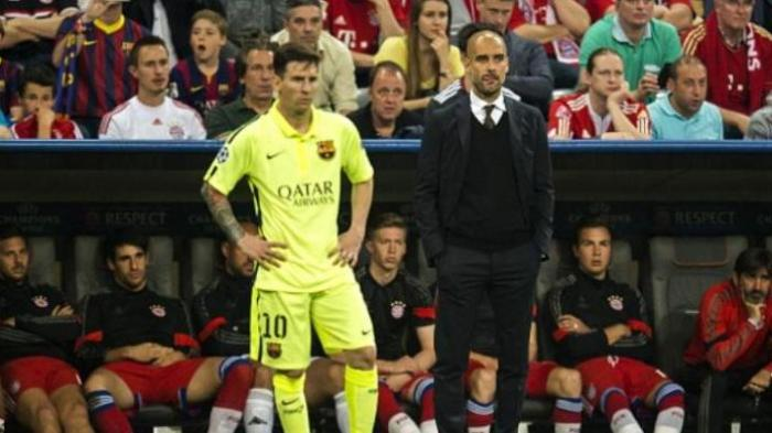 Eks Striker Barcelona, Lionel Messi (kiri), bersama mantan pelatihnya yang kini menangani Manchester City, Josep Guardiola (kanan).