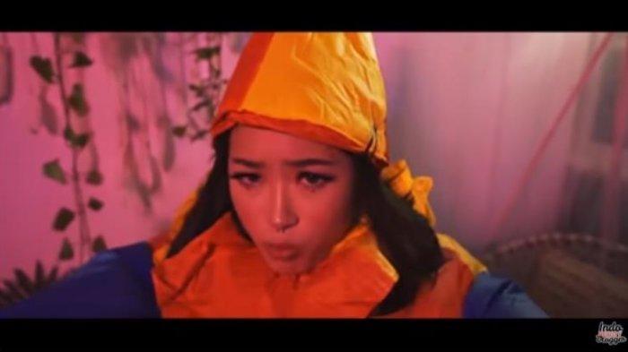 Lirik Lagu TikTok Pretty Real - Beauty Vloggers Indonesia feat Ramengvrl: Jare Sopo Aku Gak Iso?