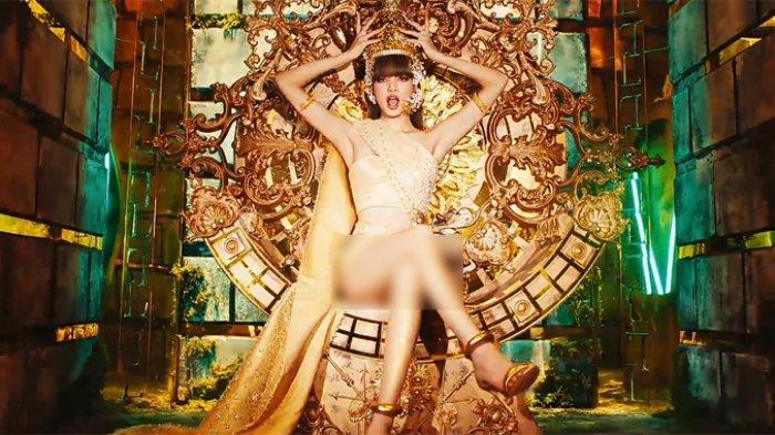 Debut Lisa BLACKPINK Pecahkan Penjualan Album Terbanyak Artis Solo Wanita Selama Sepekan