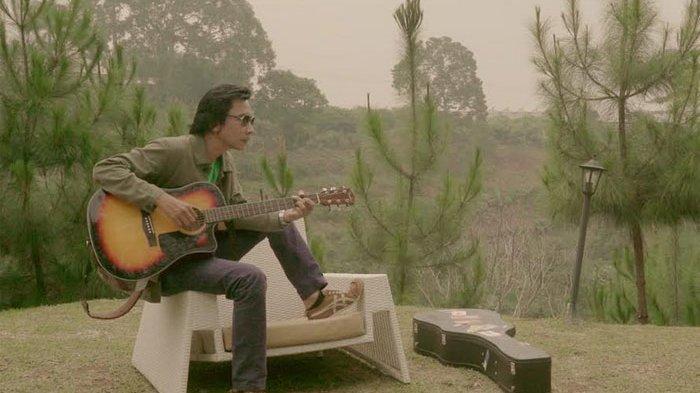 Chord Gitar dan Lirik Lagu Siapakah Dirimu - Lobow: Sudah Lama Terasa Ku Selalu Mengalah