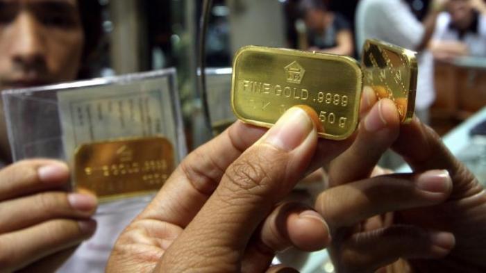 Harga Emas Batangan Antam Bertahan di Level Rp918.000 per Gram