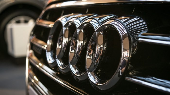 Divisi mobil mewah milik Volkswagen, Porsche dan Audi, akan mengembangkan platform kendaraan listrik bersama demi menghemat biaya secara signifikan.