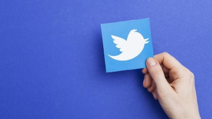 BlackBerry Tuduh Twitter Curi Teknologinya