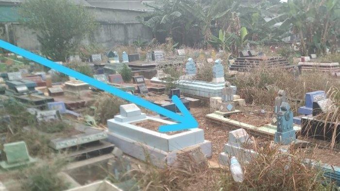 Lokasi dimana jenazah Apriyanita dikuburkan para pelaku (yang ada botol mineral).
