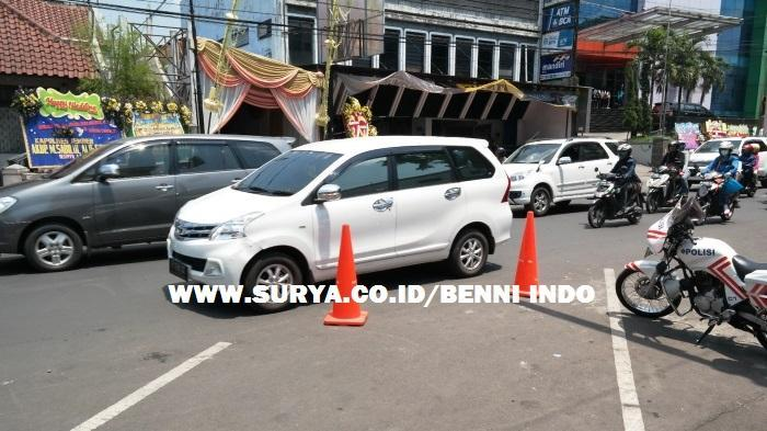 Kapolda Kalsel-Winny Nikah, Polres Jember Berlakukan Buka Tutup Jalan Trunojoyo