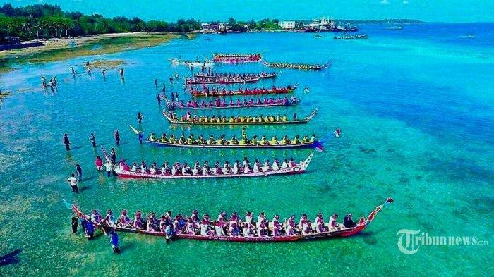 Lomba Balap Perahu Belan Festival Pesona Meti Kei