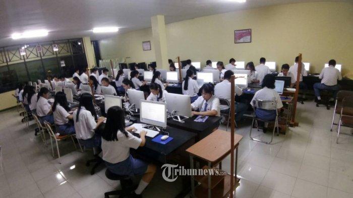 LOOP dan Gramedia kembali bekerjasama untuk mengadakan simulasi SBMPTN (Seleksi Bersama Masuk Perguruan Tinggi Negeri) se-Indonesia mulai tanggal 23 Maret - 30 April 2019 untuk mengulang kesuksesan program Simulasi SBMPTN yang telah diselenggarakan bersama sejak tiga tahun terakhir. Simulasi akan dilakukan di 19 kota yang meliputi Padang, Palembang, Lampung, Tangerang Selatan, Bandung, Surabaya, Lombok, Makassar, Denpasar, Semarang, Pontianak, Purwokerto, Tegal, Malang, Solo, Medan, Aceh, Pekanbaru dan Mojokerto. TRIBUNNEWS.COM/IST