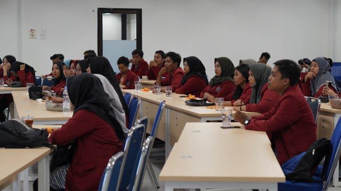 LPM Apresiasi Unisri Sambangi Kantor Tribunnews, Mahasiswi: Banyak Hal Baru yang Kami Dapat