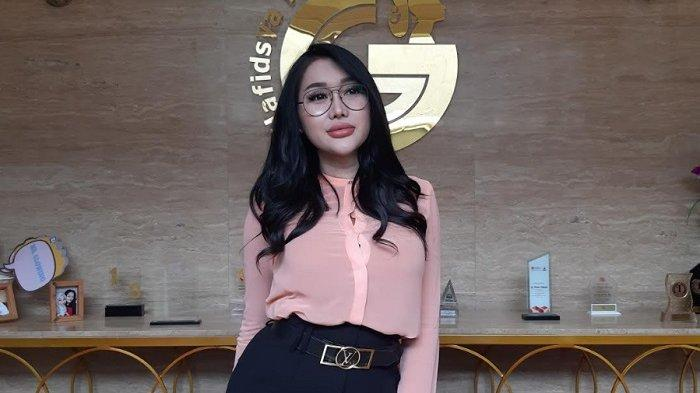 Lucinta Luna ditemui di kawasan Lebak Bulus, Jakarta Selatan, Senin (15/3/2021).