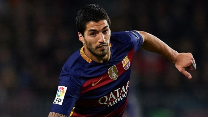 Suarez Bawa Barcelona Unggul 1-3 Atas Sporting Gijon