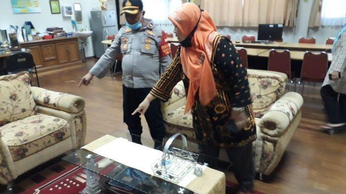 Kapolsek Pamulang, Kompol Supiyanto di ruang kepala sekolah SMAN 3 Tangerang Selatan, Jumat (10/7/2020).