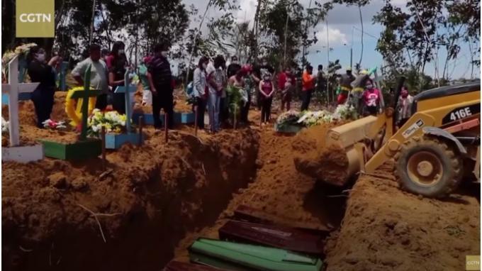 Lusinan Peti Mati Tiba di Pemakaman Umum Brasil