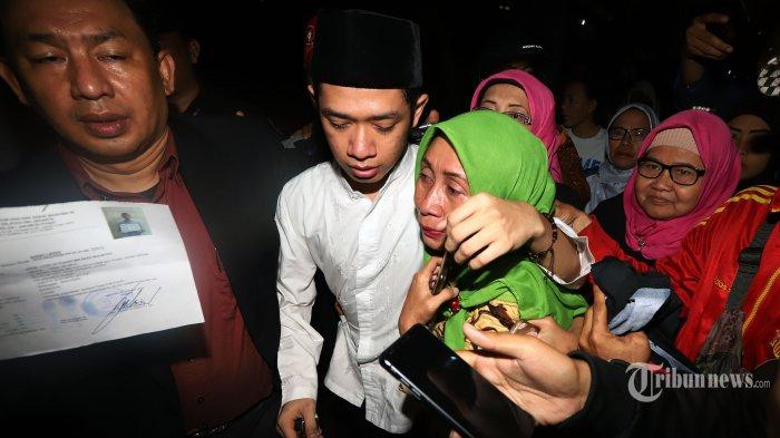 Lutfi Alfiandi Pembawa Bendera Saat Demo Divonis 4 Bulan Penjara, Haris Azhar Bereaksi