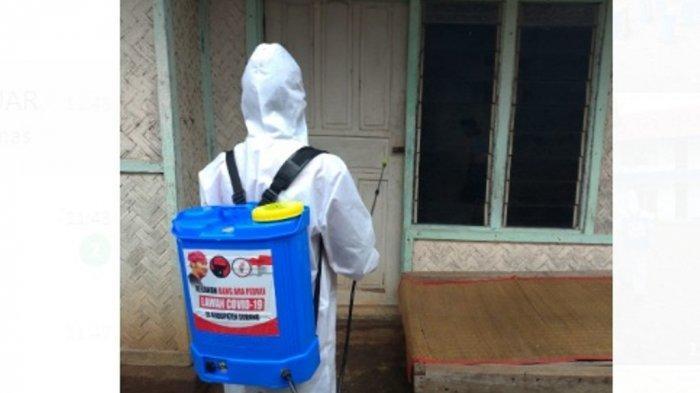 Maruarar Sirait Inisiasi Penyemprotan Disinfektan pada 100 Desa di Subang