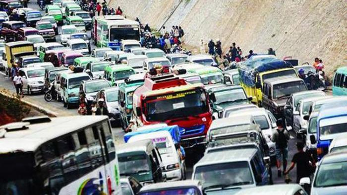 Jalur Sukabumi - Bogor Macet Total