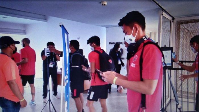Prokes Ketat Kembali Warnai Laga Madura United vs PSM Makassar
