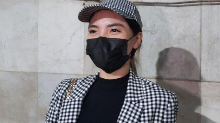 Magdalena Fridawati saat ditemui usai jalani pemeriksaan di Diskrimum Polda Metro Jaya, terkait laporannya atas dugan tindak pidana yang dilakukan mantan asistennya, Selasa (31/8/2021).
