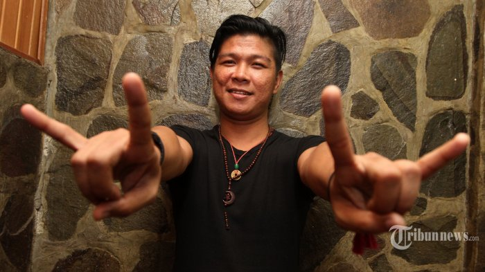 Andika Mahesa Cover Lagu Kisah-nya Boomerang, Roy Jeconiah Kasih Jempol