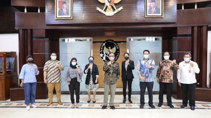 Mahfud MD Ajak Para Kiai di Bangkalan Sadarkan Masyarakat Soal Bahaya Covid-19