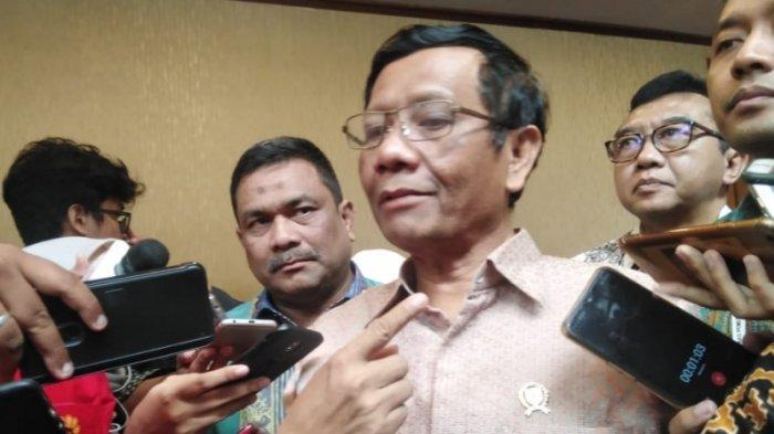 Menteri Koordinator Bidang Politik Hukum dan Keamanan (Menko Polhukam) Mahfud MD saat ditemui usai acara Forkompimda di Sentul Internasional Convention Center (SICC), Bogor, Rabu (13/11/2019).