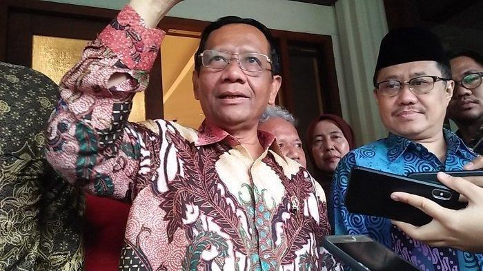 Draf Omnibus Law, Pemerintah Bisa Ubah UU dengan PP, Mahfud MD Duga Salah Ketik: Nanti Saya Cek!