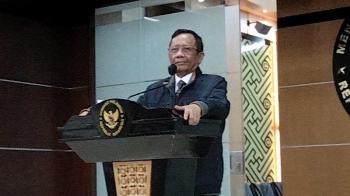 Mahfud MD Contohkan Kasus Baiq Nuril Untuk Jelaskan Revisi Terbatas UU ITE