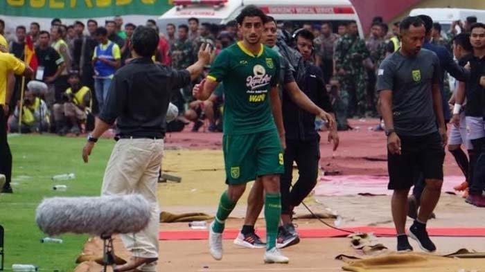 Seisi Bench Persija Kejar Mahmoud Eid Karena Aksi Selebrasi, Ini Reaksi Sergio Farias