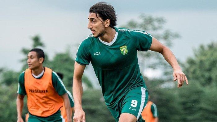 Gelandang asing, Mahmoud Eid, saat melakukan latihan bersama Persebaya Surabaya pada 23 Januari 2020.
