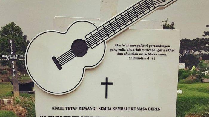 Menilik Makam Mendiang Glenn Fredly di TPU Tanah Kusir, Ada Ornamen Gitar Juga Pesan dari Glenn