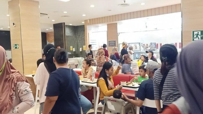 Di Masa Pandemi Covid-19, Tiga Restoran Cepat Saji di Mal Graha Cijantung Dipadati Pembeli