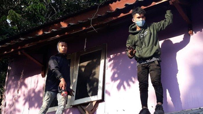 Dibantu Polisi, Warga Kramat Jati Kepung Griya Pijat yang Jadi Lokasi Persembunyian Maling