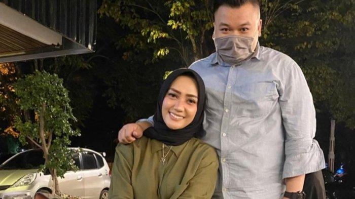 Baru Saja Dikaruniai Anak Ketiga Yulita Masterchef Kini Berduka,Ini Penyebab Meninggalnya Suami Lita