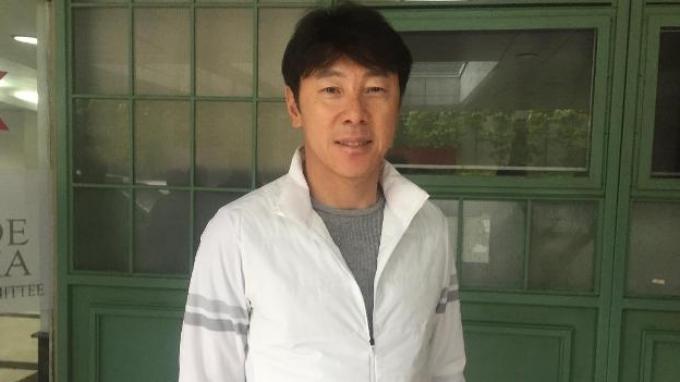 Manajer pelatih Timnas Indonesia, Shin Tae-yong saat tiba di Kantor PSSI, Kamis (9/1/2020).
