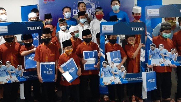 Manchester City Suporter Club Indonesia Santuni Anak Yatim, Rayakan Gelar Juara Inggris