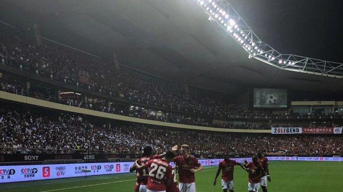 Selebrasi para pemain Manchester United saat mengalahkan Tottenham Hotspurs 2-1
