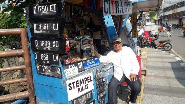 Selama 38 Tahun Mang Yunus Nafkahi Keluarganya dengan Membuat Stempel dan Pelat Nomor Kendaraan