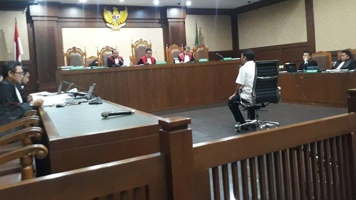 Mantan Direktur Utama PT Industri Telekomunikasi Indonesia (INTI) Darman Mappangara menjalani sidang di Pengadilan Tindak Pidana Korupsi Jakarta menggelar sidang lanjutan kasus suap proyek pelaksanaan pekerjaan pemasangan Semi Baggage Handling System (BHS), Senin (10/2/2020).