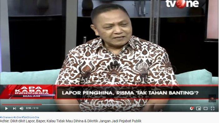 Mantan Juru Bicara Presiden ke-4 RI Abdurrahman Wahid alias Gus Dur, Adhie Massardi, menyebut Wali Kota Surabaya Tri Rismaharini harus menerima kritikan meski berupa kata kasar.