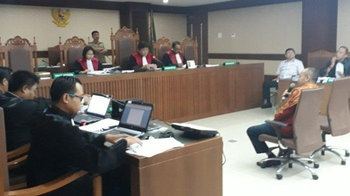 Mantan Sopir Lucas Bantah Rekaman Suara KPK dalam Persidangan