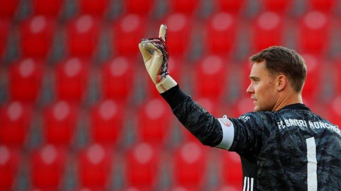 Kiper Bayern Munich asal Jerman Manuel Neuer memberi isyarat saat pertandingan sepak bola Bundesliga divisi satu Jerman FC Union Berlin v FC Bayern Munich pada 17 Mei 2020. Hannibal Hanschke/Pool/AFP