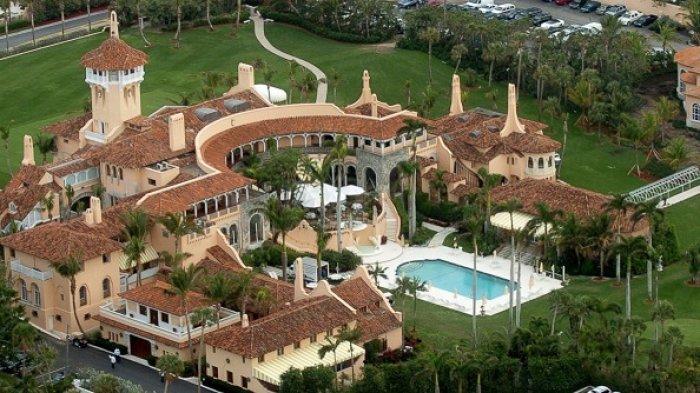 Klub resor mewah Mar-a-Lago milik Presiden Donald Trump di Florida, AS, dilihat dari atas.