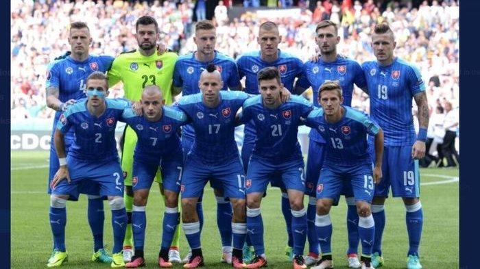 Marek Hamsik (17) memimpin timnas Slovakia di Euro 2020.