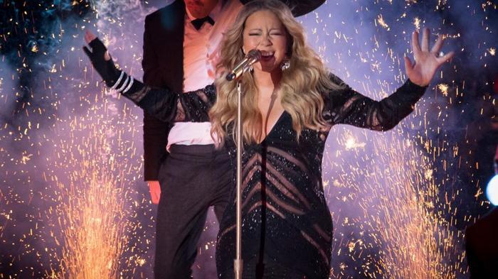 Mariah Carey Setuju Tak Pakai Baju Seksi Saat Konser di Candi Borobudur