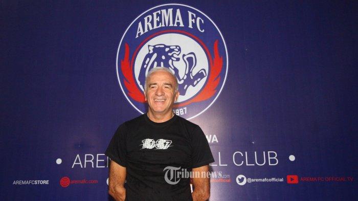 PELATIH AREMA FC - Pelatih Arema FC, Mario Gomez  saat di perkenalkan pada wartawan di Kantor Arema FC, Kamis (16/1/2020). SURYA/HAYU YUDHA PRABOWO