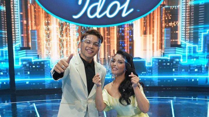 Mark Natama dan Rimar Callista grand finalis Indonesian Idol Special Season yang akan segera mendengar pengumuman juara, Senin (26/4/2021) malam.