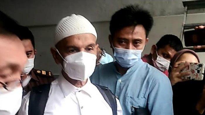 Jadi Tahanan Kota, Mark Sungkar: Alhamdulillah Bisa Peluk Istri, Anak, dan Cucu